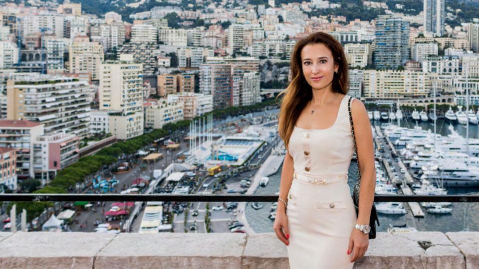 Присяжный переводчик в Монако Елизавета Ловеринг